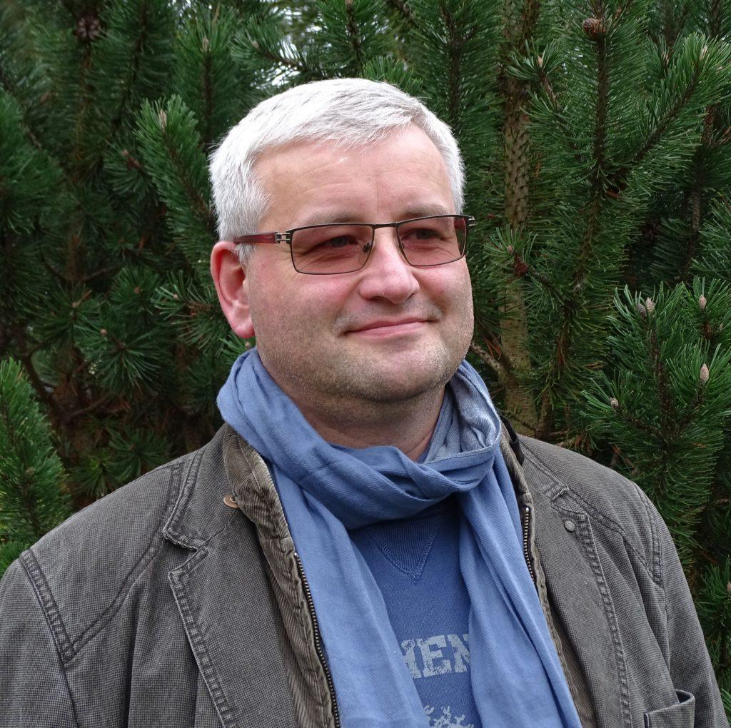 1. Vorsitzender Tim Olaf Böl TimBoel.MHL-Halle(at)gmx.de